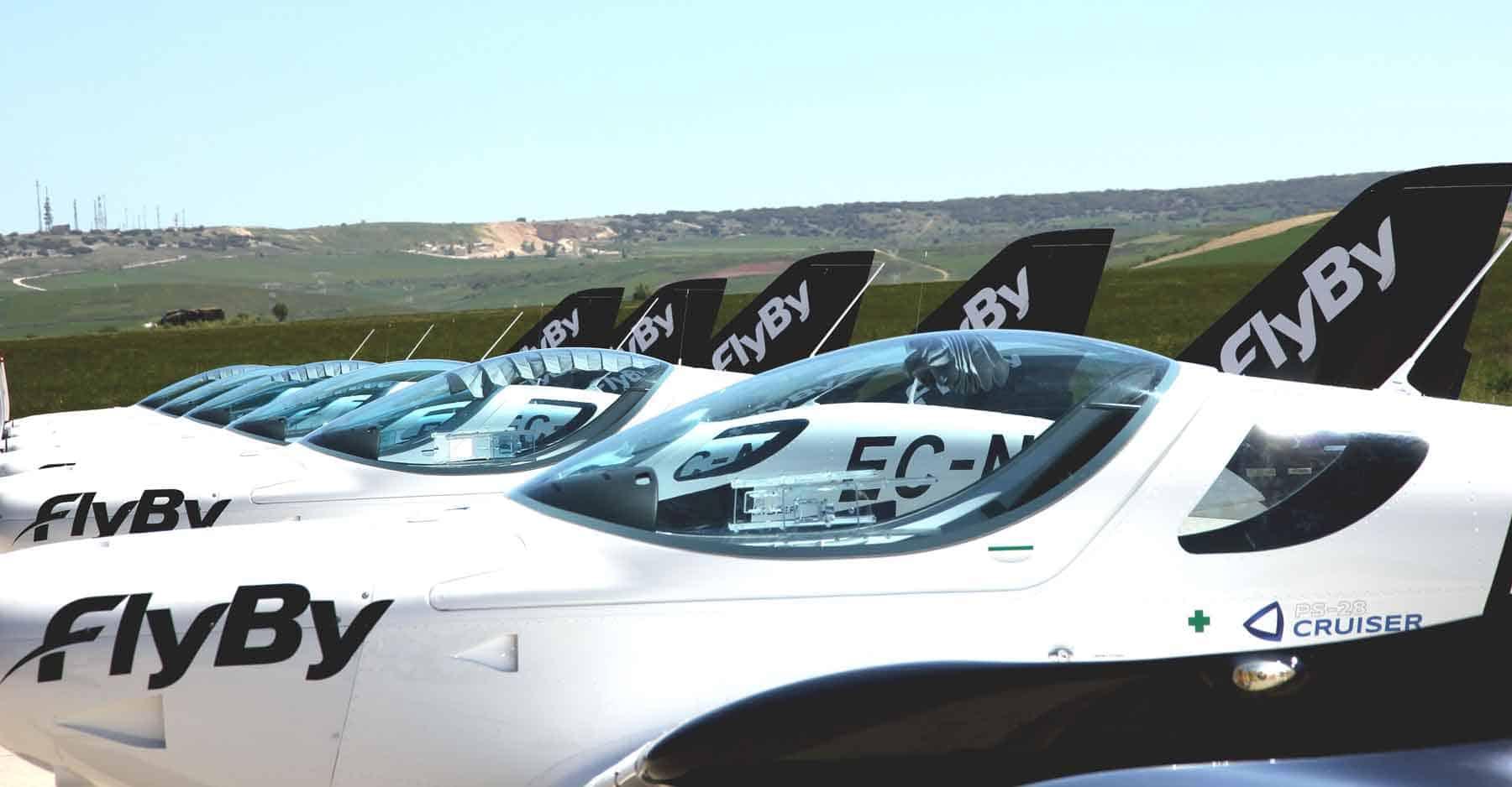FlyBy flight school training planes
